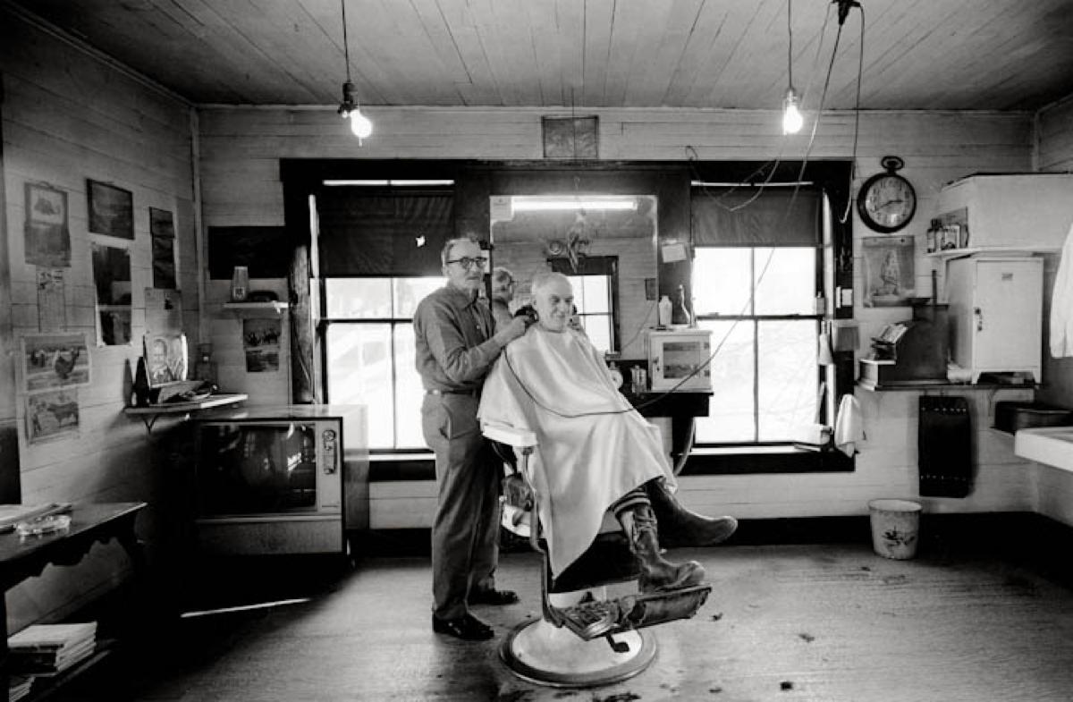 Frank Lovett, barber. Waitsfield, VT, 1977. (Source: Peter Miller)